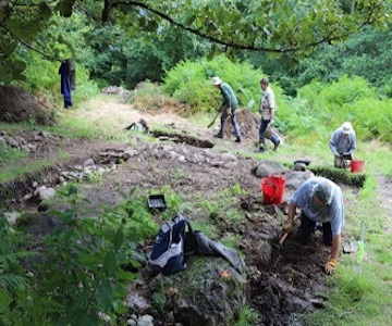 Archaeological Dig Unearths Complicated Landscape